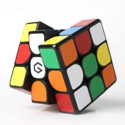 Xiaomi GiiKER M3 - profesionálna Rubikova kocka s magnetom a ložiskom